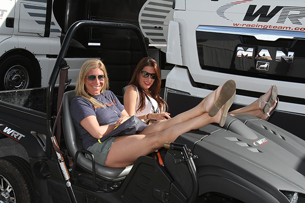 BLANCPAIN-2013-PAUL-RICARD-GIRL-29-Photo-Gilles-VITRY-autonewsinfo.