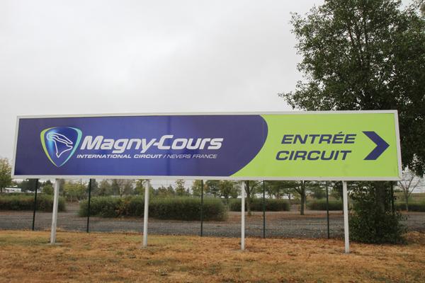 CIRCUIT MAGNY COURS pannneau entree photo Gilles VITRY autonewsinfo