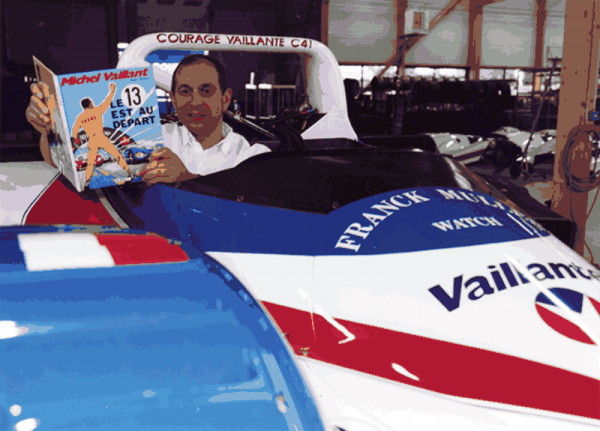 COURAGE-Yves-dans-le-baquet-de-la-COURAGE-VAILLANTE-Le-Mans-1997-BD-Michel-Vaillant-Photo-Collection-COURAGE