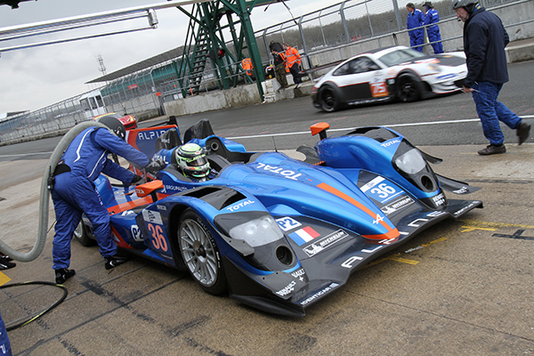 ELMS-2013-SILVERSTONE-Ravitaillement-ALPINE-SIGNATECH-de-Pierre-RAGUES-Photo-Gilles-VITRY-autonewsinfo