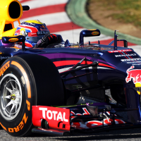F1-2013-BARCELONE-Test-3-mars-Mark-Webber-Red-Bull-P-Zero-Dur-Jour-3-photo-PIRELLI