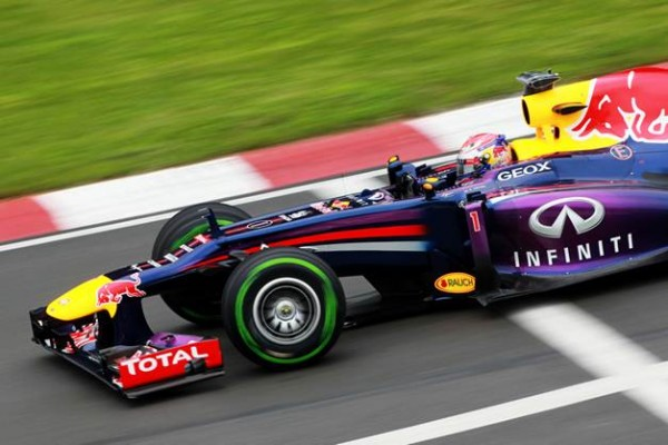 F1-2013-CANADA-SEB-VETTEL-39-eme-pole-photo-PIRELLI