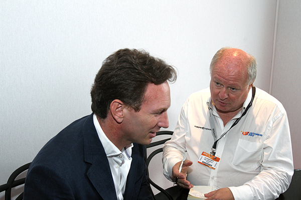 F1-CHRIS-HORNER-interview-avec-Gilles-GAIGNAULT-21-JUIN-2013-Le-Bourget-presentation-nouveau-moteur-RENAULT-ENERGY-2014-Photo-Gilles-VITRY-autonewsinfo