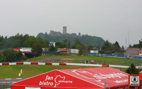 Nurburgring et son symbole,le célèbre château de Nürburg-© Manfred GIET pour autonewsinfo