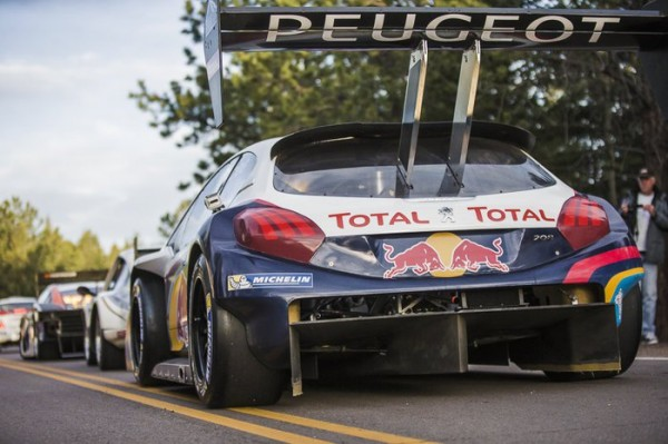 PIKES-PEAK-2013-Sebastien-Loeb-dans-la-categorie-unlimited-PHOTO-PEUGEOTSport.