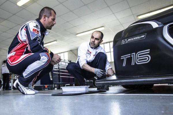PIKES PEAK ESSAI SAMEDI 8 JUIN 208 T16 LOEB analyse - photo Peugeot Sport