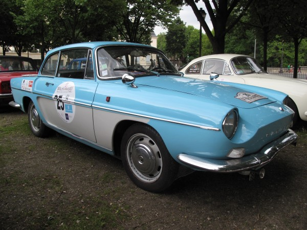 RALLYE DES PRINCESSES 2013 Une tres BELLE RENAULT CARAVELLE 1100S 1965