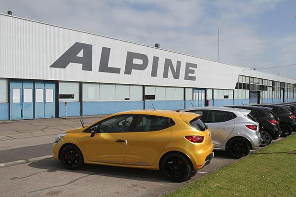 SAGA-ALPINE-2013-DIEPPE-les-CLIO-RS-fabriquées-a-DIEPPE-Photo-Gilles-VITRY-autonewsinfo
