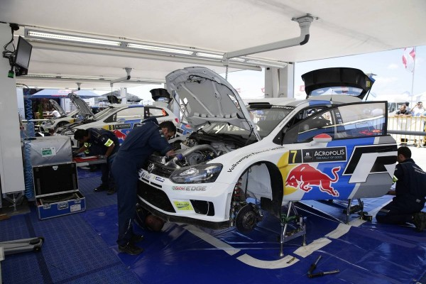 WRC-2013-ACROPOLE-ASSISTANCE-VW-POLO-OGIER-photo-Team-VW.