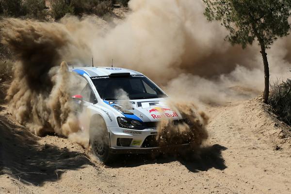 WRC-2013-ACROPOLE-JARI-MATTI-LATVALA-Photo-Jo-LILLINI
