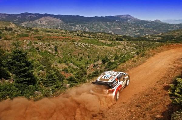 WRC-2013-ACROPOLE-UNE-DES-DS3-au-coeur-des-paysages-Grecs