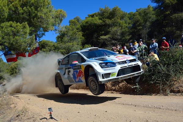 WRC-2013-ACROPOLE-La VW-POLO-de-LATVALA-fonce vers la 1ére victoire 2013 du Finlandais - Photo-Jo-LILLINI