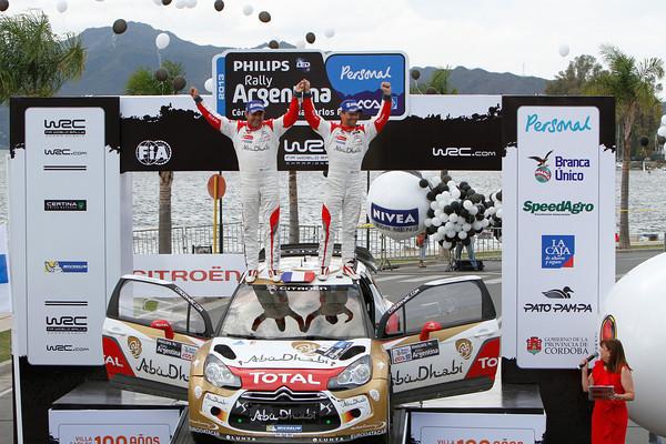 WRC-2013-ARGENTINE-Podium-LOEB-ELENA-Photo-Jo-LILLINI