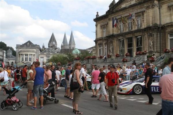 24-HEURES-DE-SPA-2013-Beaucoup-de-monde-à-Spa-pour-la-traditionneIle-parade-©-Manfred-GIET