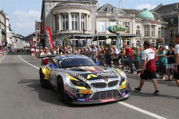 24-HEURES-DE-SPA-2013-La-parade-La-BMW-favorite-de-Marc-VDS-Fera-t-elle-banco-au-Casino-dimanche-à-16-heures-©-Manfred-GIET
