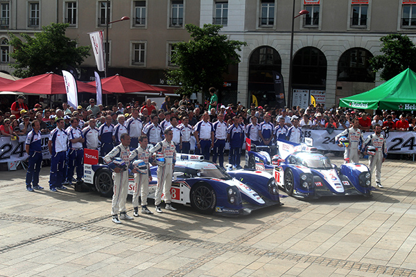 24-HEURES-DU-MANS-2013-PESAGE-Team-TOYOTA-photo-Gilles-VITRY-autonewsinfo