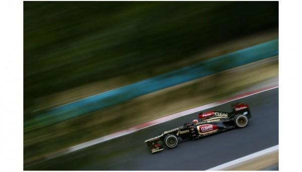 F1-2013-BUDAPEST-KIMI-RAIKKONEN-LOTUS-RENAULT