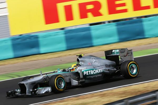 F1 2013 BUDAPEST Lewis HAMILTON POLEMAN au volant de sa MERCEDES 6 Photo PIRELLI.