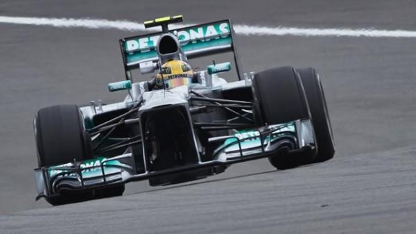 F1-2013-BUDAPEST-MERCEDES-HAMILTON-pole- PUIS VICTOIRE - Photo-DAIMLER-BENZ