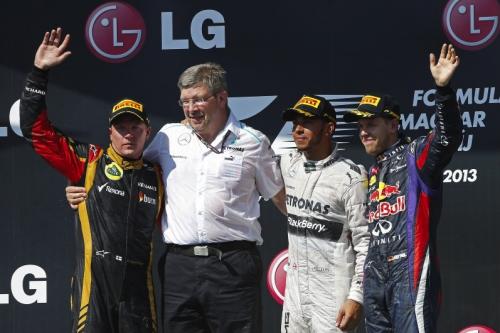 F1-2013-BUDAPEST-PODIUM-1-HAMILTON-2-KIMI-2-VETTEL-photo-RENAULT-F1