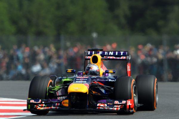 F1-2013-ESSAI-PIRELLI-SILVERSTONE-RED-BULL-SEB-VETTEL
