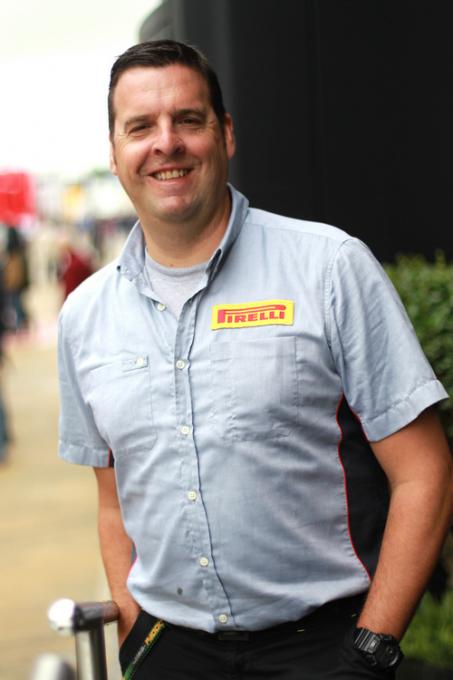 F1 2013 HONGRIE Matt Watts, chef d'équipe de monteurs de pneus Photo PIRELLI.