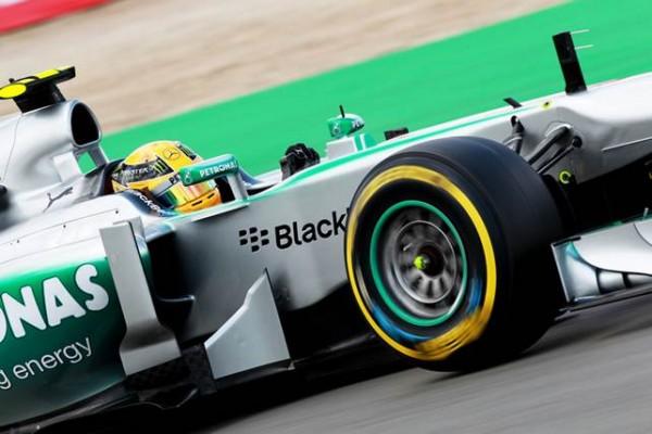F1-2013-NURBURGRING-MERCEDES-HAMILTON-Photo-PIRELLI