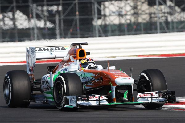 F1-2013-TEST-PIRELLI-SILVERSTONE-17-JUILLET-JAMES-CALADO-Team-FORCE-INDIA-SAHARA-Photo-Team.