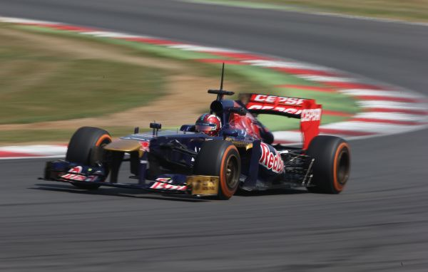 F1-2013-TEST-PIRELLI-SILVERSTONE-17-JUILLET-TORO-ROSSO-JOHNNY-CECOTTO-JUNIOR-Photo-Team