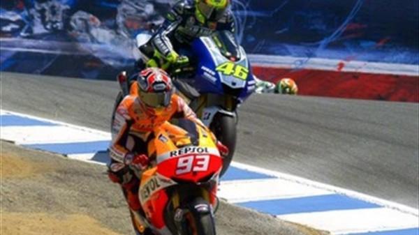 MOTO-GP-2013-MARQUEZ-ROSSI-dans-la-poussiere-ou-le-remake-de-2008-ROSSI-STONER.