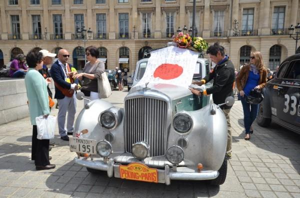 PEKIN-PARIS-2013-BENTLEY-de-1951-des-Japonais-SHUBUN-KITAMI-et-HIROFUMI-IGARASHI.