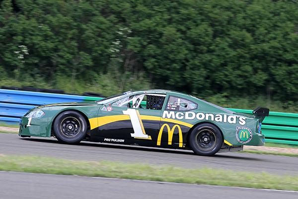 RACE-CAR-2013-Romain-IANETTA-en-essai-sur-la-piste-des-circuits-de-l-Ouest-Parisien-a-Dreux-Photo-Gilles-VITRY-autonewsinfo