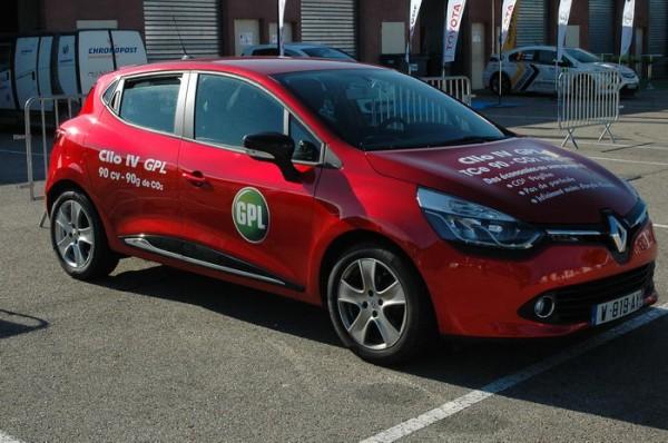 RIVE-2013-Cette-Clio-GPL-symbolise-le-mix-énergétique-incontrournable-dans-la-mobilité-des-années-à-venir-Photo-Patrick-Martinoli.