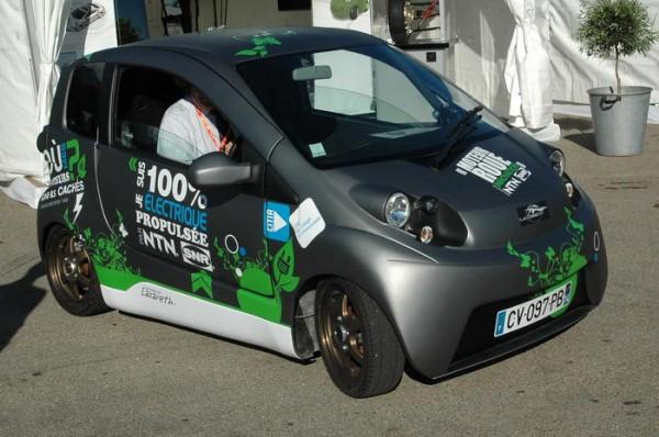 RIVE-2013-le-démonstrateur-Twin-de-NTN-SNR-est-équipé-de-deux-moteurs-roues-de-4-kW
