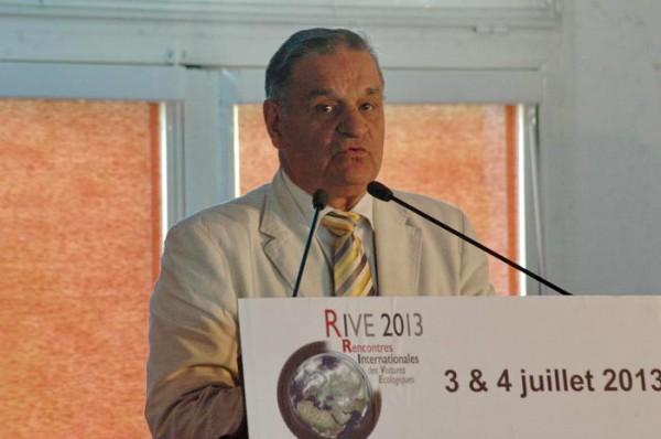 RIVES-2013-Max-Roustan-Maire-dAles-recevait-les-RIVE-2013-avec-toujours-autant-denthousiasme-photo-Patrick-Martinoli