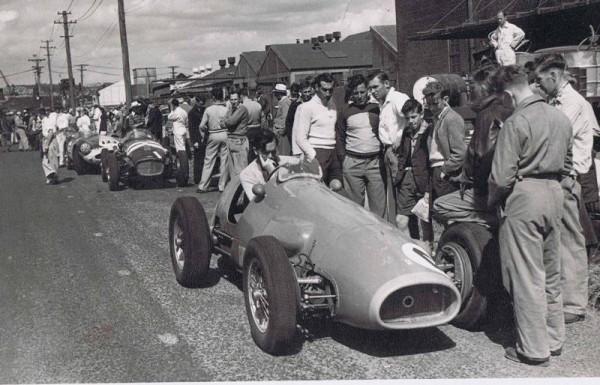 TONY-GAZE-en-1952