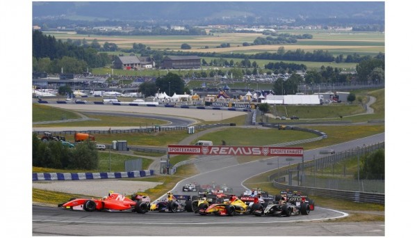 WSR-2013-RED-BULL-RING-Depart-course-1