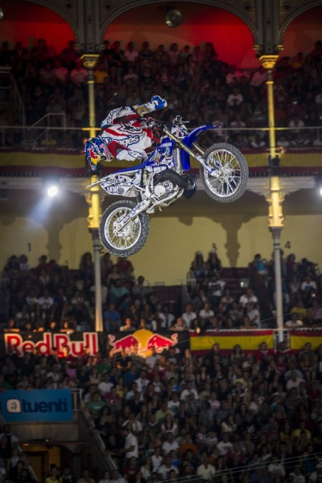 RED BULL X FIGHTERS -2013-TomPages-Special-Flip-Madrid-19-juillet