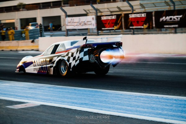 JET DRAG:INFERNALEMENT BEAU...