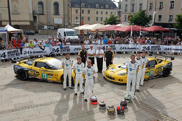 24-HEURES-DU-MANS-2013-Pesage-Les-deux-CORVETTE-usine-de-la-GM-Photo-Gilles-VITRY-autonewsinfo.com