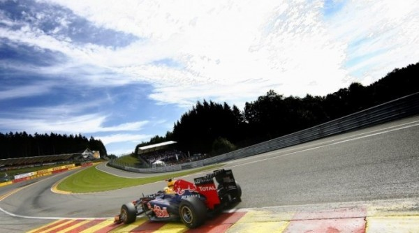 F1-2013-BELGIQUE-RED-BULL-RENAULT-de-VETTEL-photo-RENAULT