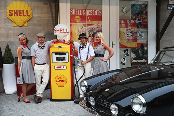 F1-SHELL-GP-BELGIQUE-2013-les-pompistes-de-FERRARI