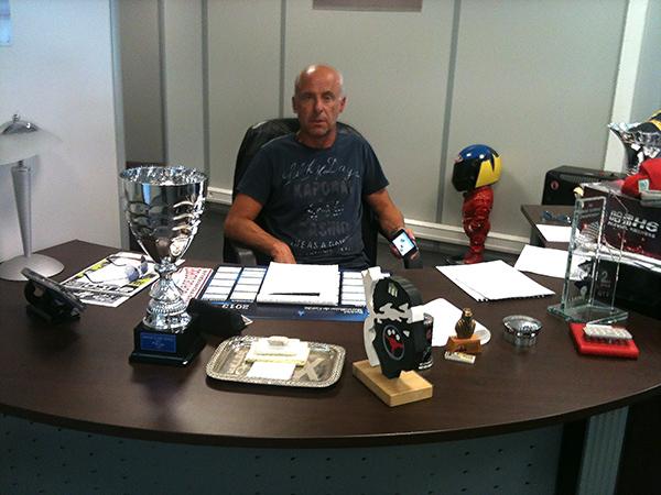 GACHE-Philippe-Un-patron-pilote-magager-dans-son-bureau-Vendredi-23-aout-2013-photo-autonewsinfo