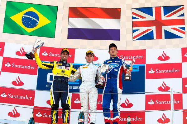 GP2-2013-BARCELONE-Podium-1ere-course-Felipe-Nasr-Carlin-Robin-Frijns-Hilmer-Motorsport-Jolyon-Palmer-Carlin