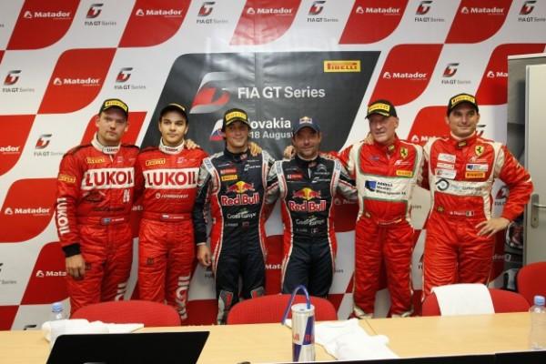 GT-FIA-2013-SLOVAKIA-Podium-course-1-avec-Seb-LOEB-et-Alvaro-PARENTE-1er