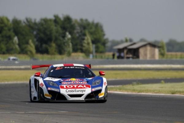 GT-FIA-2013-SLOVAKIA-Team-SLR-McLAREN