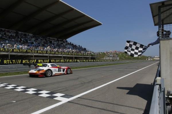 GT-FIA-2013-SLOVAKIA-Victoire-MERCEDES-en-seconde-course
