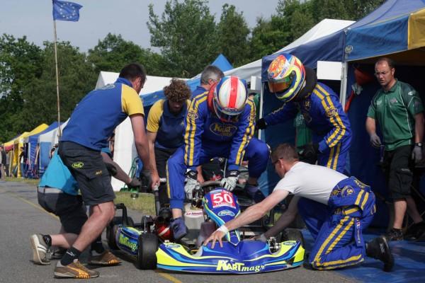 KARTING 2013 - Team La Manche Kart mag Arret ravitaillement