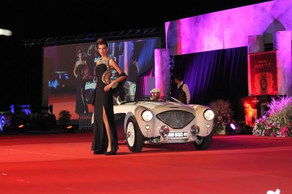 LA BAULE 2013 Concours elegance Une BELLE et une non moins superbe HEALEY photo Emmanuel LEROUX