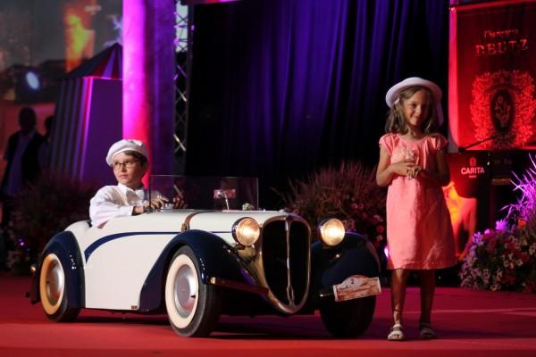 LA-BAULE-2013-Concours-elegance-il-n-y-a-pas-d-age-pour-representer-l-elegance-photo-Emmanuel-LEROUX.